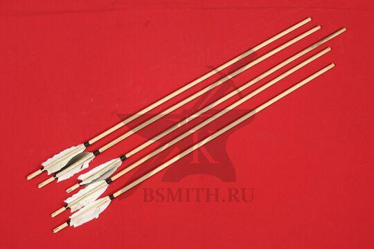 Древко стрелы с оперением, 9 мм / 80 см, несколько штук