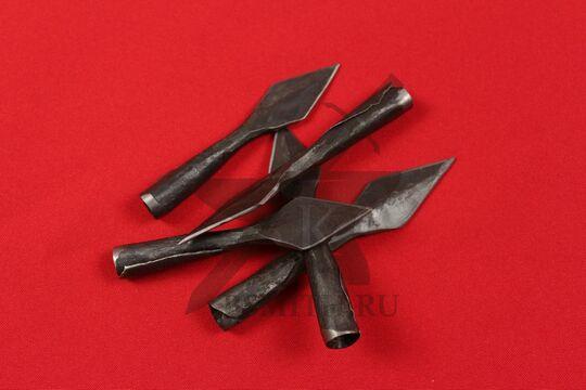Наконечники стрелы листообразные втульчатые, несколько штук