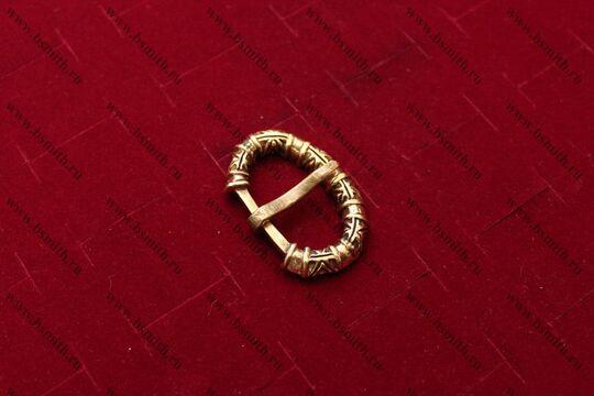 Пряжка, Бирка, 10 век, вид сбоку