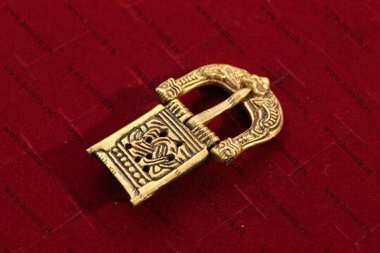 Пряжка, Готланд, 10 век, вид сбоку
