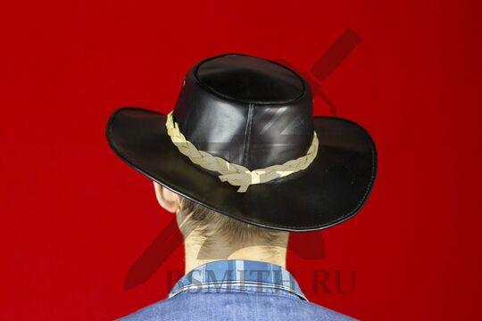 Шляпа федора кожаная черная, вид сзади