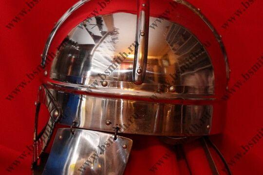 Шлем из Гьермундбю: маска с насечкой, стальные науши с подкладом, полировка, фото 3