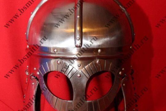 Шлем из Гьермундбю,стальные науши с подкладом, бармица открытая, фото 1