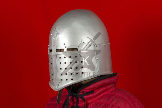 """Шлем """"Сахарная голова"""" тренировочный, вид в три четверти"""
