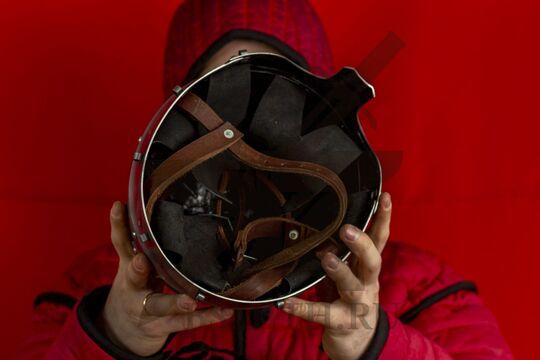 Шлем тюрбанный из Озерного, вид изнутри
