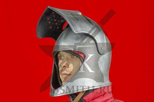 "Шлем бацинет ""For Honor"", пластик, с поднятым забралом, вид в три четверти"