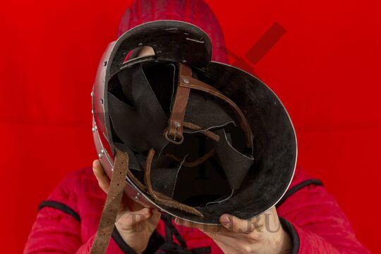 """Шлем """"фригийский колпак"""" с забралом, вариант 2, вид изнутри"""