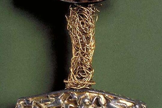 Оригинал эфеса каролинга из Сконе, из Шведского Исторического Музея