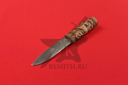 Нож бытовой средневековый, вариант 8, в ножнах, фото со стороны клинка