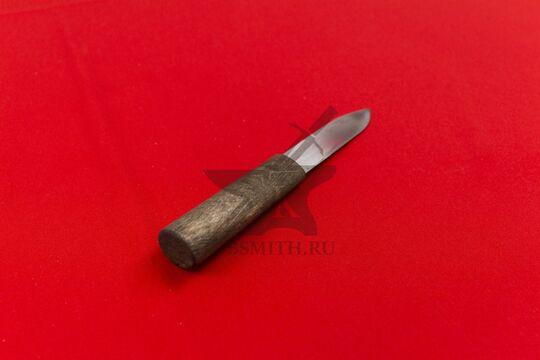 Нож бытовой простой, фото со стороны рукояти