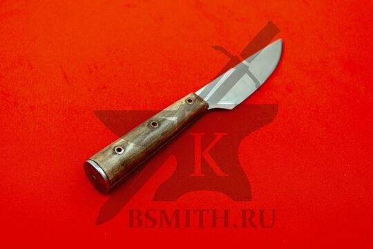 Нож с деревянной рукоятью, Европа, вариант 1, со стороны рукояти