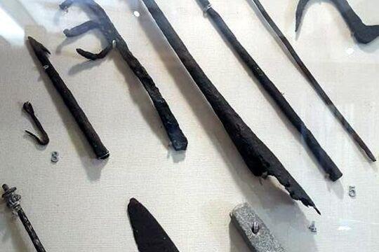 Крюк для мяса, Средневековье, источник 2