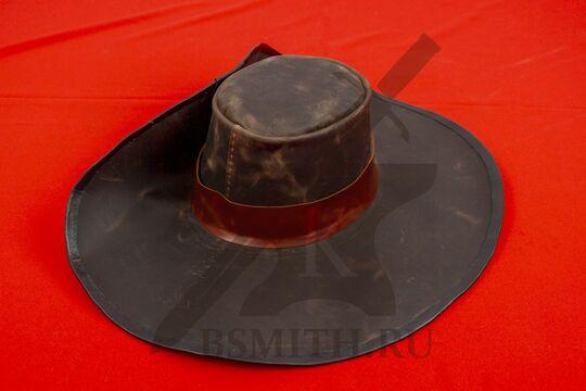 Широкополая шляпа мушкетера кожаная