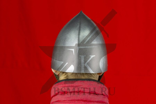 Шлем норманнский, пластик, вид сзади