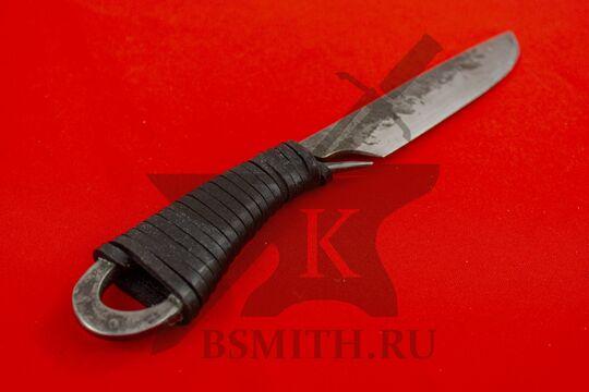 Нож новгородский с обмоткой средний, вид со стороны рукояти