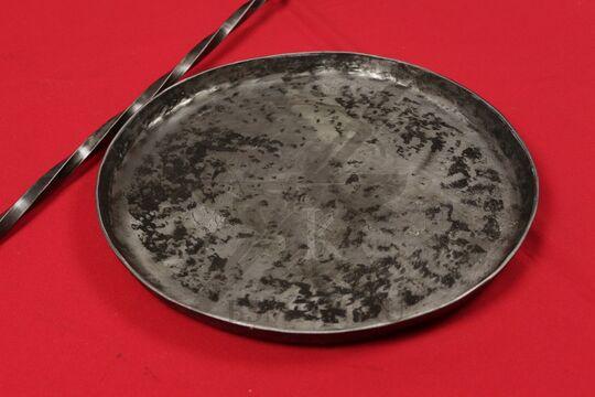 Сковорода большая, фото крупно