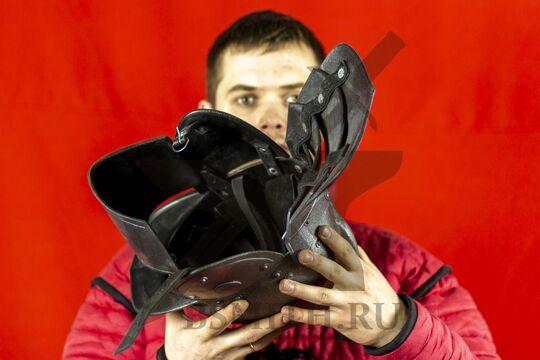 Шлем польских гусар, пластик, вид изнутри