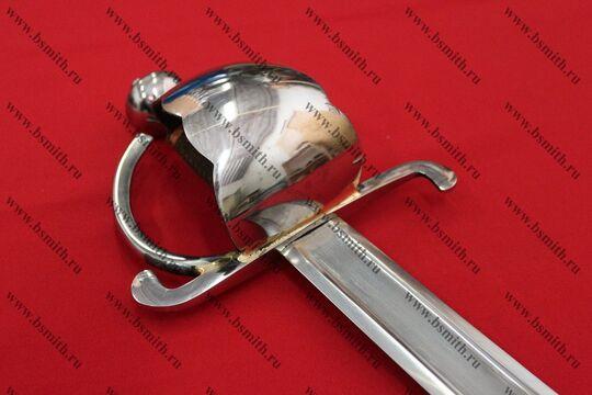 Сабля абордажная, эфес крупно, вид со стороны клинка