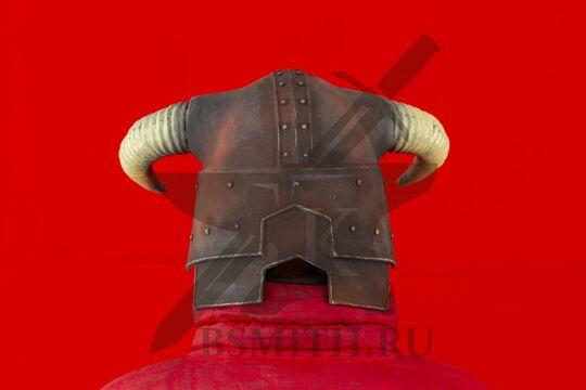 Рогатый шлем из Скайрим, пластик, вид сзади