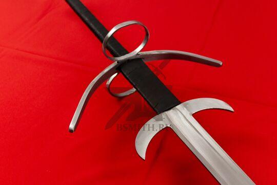 Меч двуручный турнирный с кольцами и фальшгардой, эфес крупно со стороны клинка