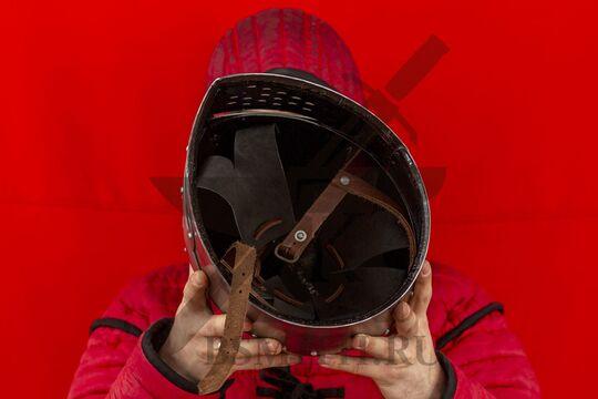"""Шлем """"Сахарная голова"""" с монолитным забралом, вид изнутри"""