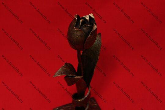Кованый тюльпан на подставке, фото 5