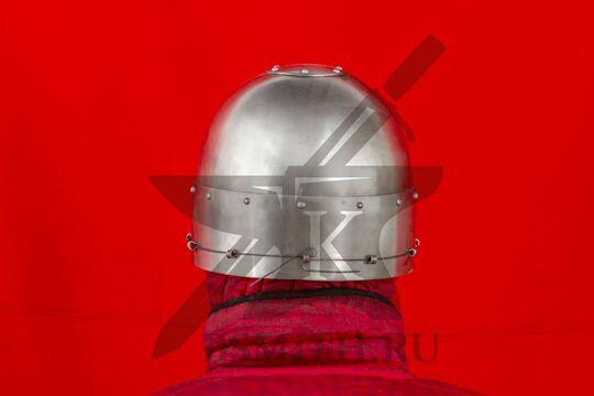 Шлем тюрбанный простой, вид сзади