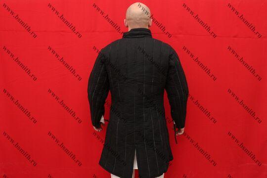 Поддоспешник стеганый, 4 слоя, лен, вид со спины