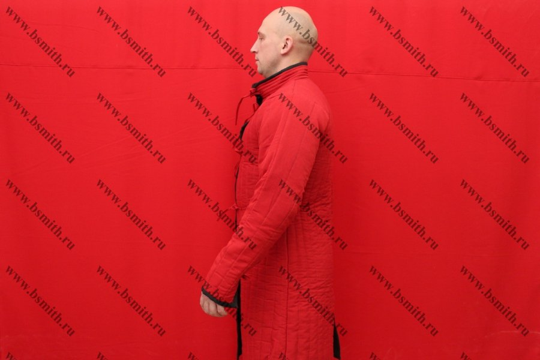 Поддоспешник длинный красный, 2 слоя, грета, вид сбоку