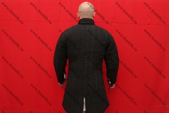 Поддоспешник стеганый, 4 слоя, грета, вид со спины