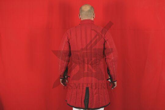 Стеганая куртка длинная красная, 4 слоя, грета, вид со спины