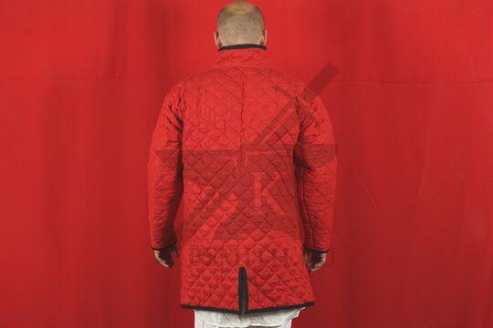 Стеганая куртка длинная красная, ромб, 2 слоя, лен, вид со спины
