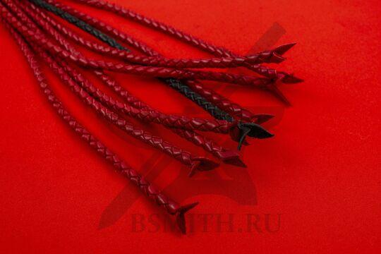 Плеть-кошка черно-красная, хвосты крупно