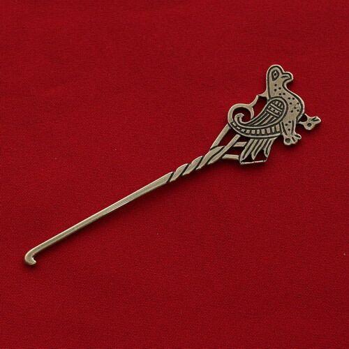 Средневековые булавки из латуни