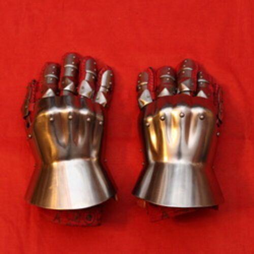 Рыцарские рукавицы и перчатки