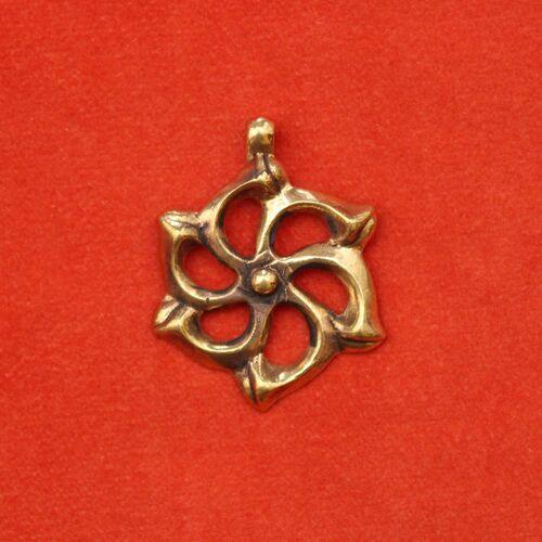 Средневековые украшения и аксессуары