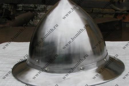 Шлем шапель, поля приклепаны, фото