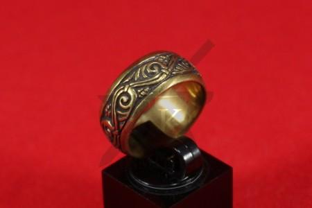 Кольцо с растительным орнаментом